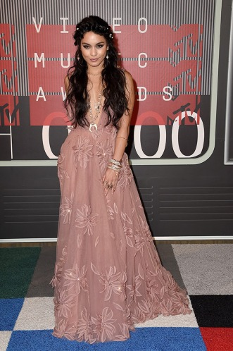 vanessa-hudgens-mtv-vmas-2015-video-music-awards-ftr